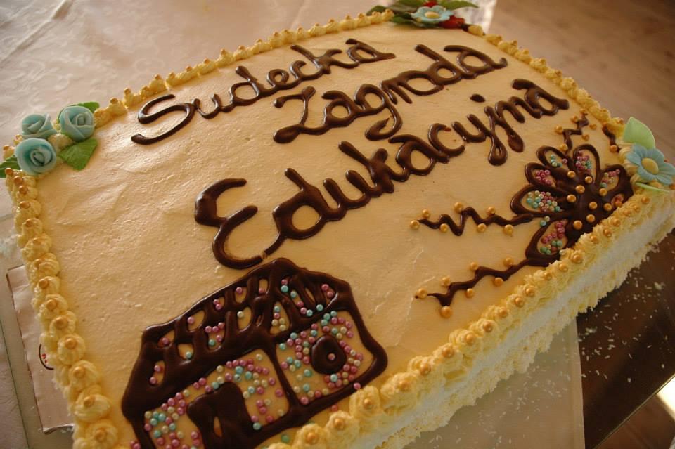 Pamiątkowy tort Sudeckiej Zagrody Edukacyjnej.