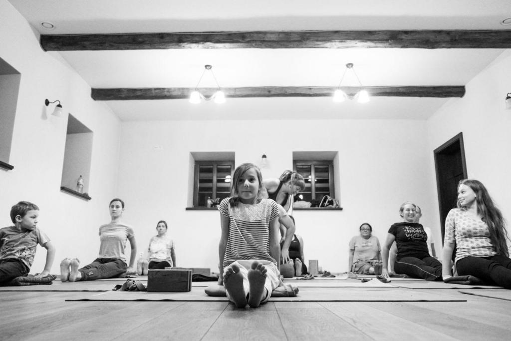 Warsztaty hatha-jogi – Joga dla małych i dużych